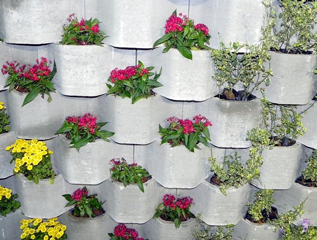 ideias jardim exterior:Técnica Wall Green – Esse sistema é vendido em kits para montar